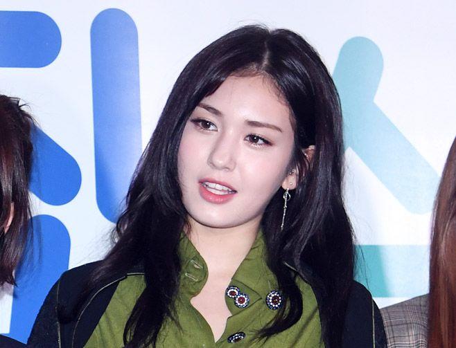 いったい何が? JYP、チョン・ソミとの専属契約を解除! 「プロデュース101」シーズン1優勝