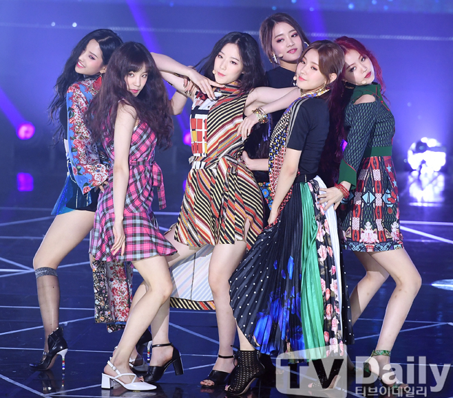 (G)I-DLE&Berry Good、MXMらが若さ弾けるステージを披露! 「THE SHOW」