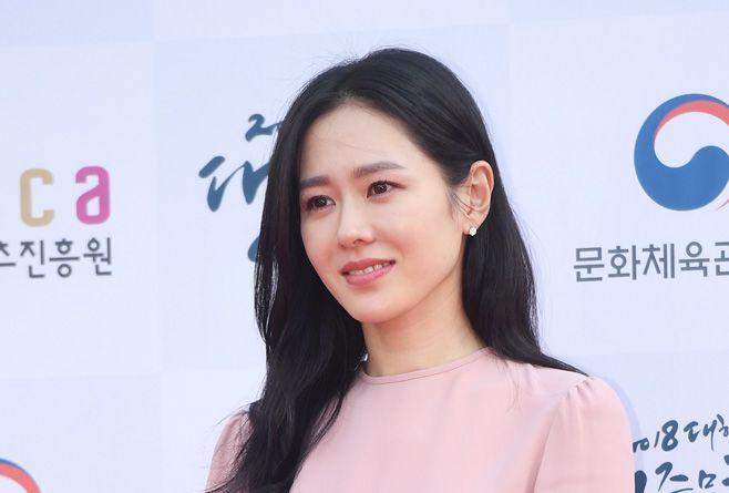 ソン・イェジン、「2018大韓民国大衆文化芸術賞」授賞式レッドカーペットに登場!