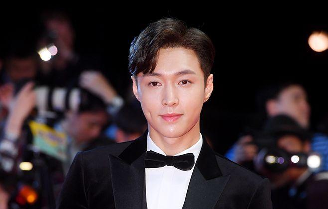 EXOレイ、映画俳優として釜山国際映画祭のレッドカーペットイベントに登場