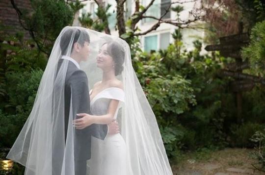 Two X出身スリン、12月15日に中学の同窓生と結婚! 昨年同窓会での再会をきっかけに