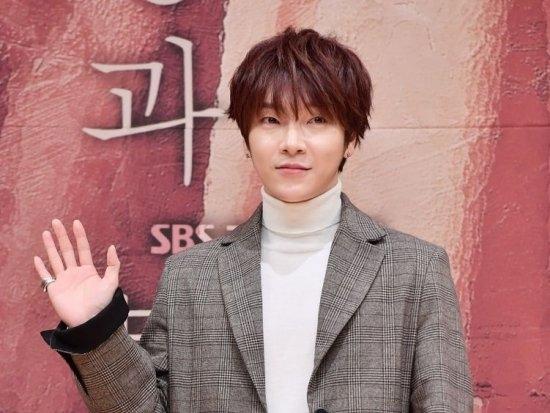 SUPERNOVAユナク、「久しぶりに韓国で活動…うれしい」 ドラマ「運命と怒り」出演
