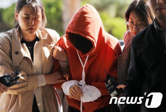 JYJユチョン元婚約者ファン・ハナ、麻薬使用容疑一部認める 留置場へ移送