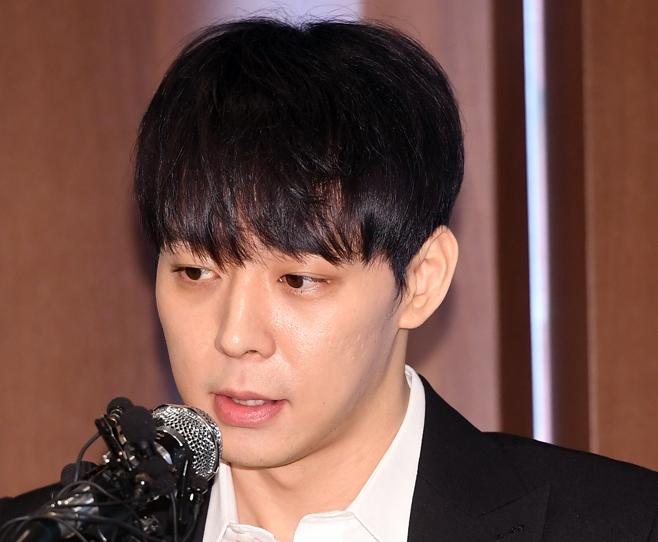 警察、JYJユチョンの自宅を家宅捜索! 元婚約者と麻薬使用か